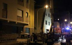 Piombino: crolla il tetto di un palazzo. Paura. Abitanti evacuati
