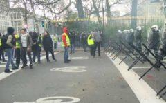Bruxelles: manifestazione di un centinaio di gilet gialli, un fermo e un arresto