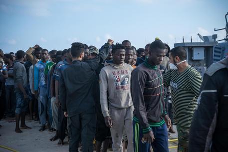 Alex punta su Lampedusa, Viminale: 'La ong vuole lo scontro'
