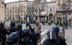Francia: Gilet gialli più numerosi e meno violenti, ma scontri a Bordeaux e Rouen