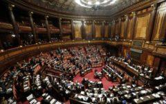 Riduzione del numero dei parlamentari: governo, FdI e Forza Italia favorevoli, Il Pd, contrario, minaccia ricorso alla Consulta