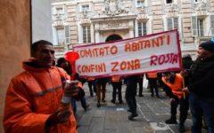 Genova: gilet arancioni, protestano le famiglie danneggiate dal crollo del Ponte