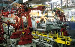 Economia: cala l'industria (-2,6%), Italia a rischio recessione, come molti Paesi Ue