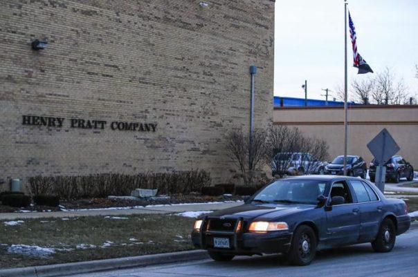 ANSA/ Dipendente fa strage in azienda Illinois, 5 morti