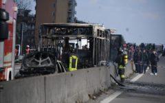 Cittadinanza per merito ai ragazzini eroi del bus incendiato a Milano