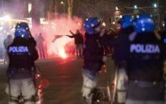 Lazio - Roma: incidenti prima della partita, ferito un agente