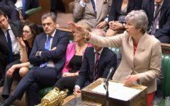 Brexit: May apre al compromesso con Corbyn. Lui: felice d'incontrarla. Ma è resa dei conti in casa Tory