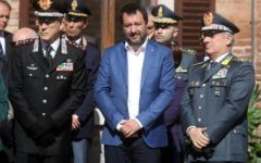 Catania: Salvini nuovamente indagato per sequestro dei migranti, ma il procuratore chiede l'archiviazione