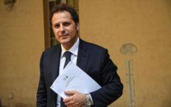 Roma: Siri indagato, Toninelli gli toglie le deleghe. L'interessato respinge le accuse