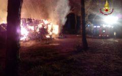 Autostrada A1: autista muore fra le fiamme del Tir che si ribalta fra Calenzano e Firenze  (Foto)