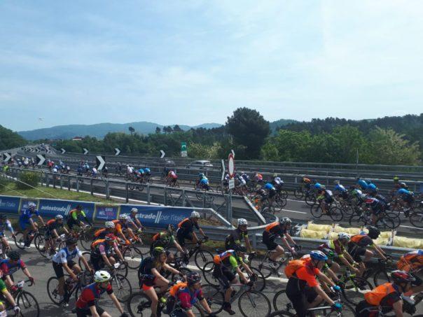 Giro nel giro di Autostrade, 1.200 ciclisti sulla A1 Panoramica