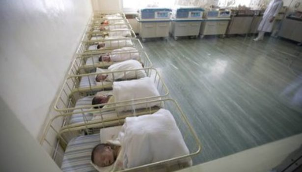 Istat, nuovo crollo delle nascite: 140mila in meno nel 2018. Proviamo a dare più certezze al ceto medio