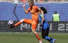 Mondiali femminili: l'Italia regge un tempo, poi passa l'Olanda (2-0). Le azzurre escono con onore